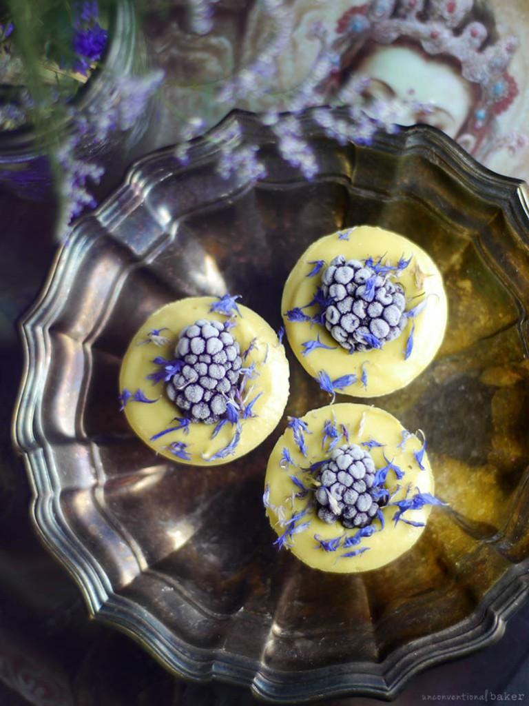 raw-blackberry-lemon-mini-cheesecakes-recipe-dairy-free-grain-free-gluten-free-refined-sugar-free